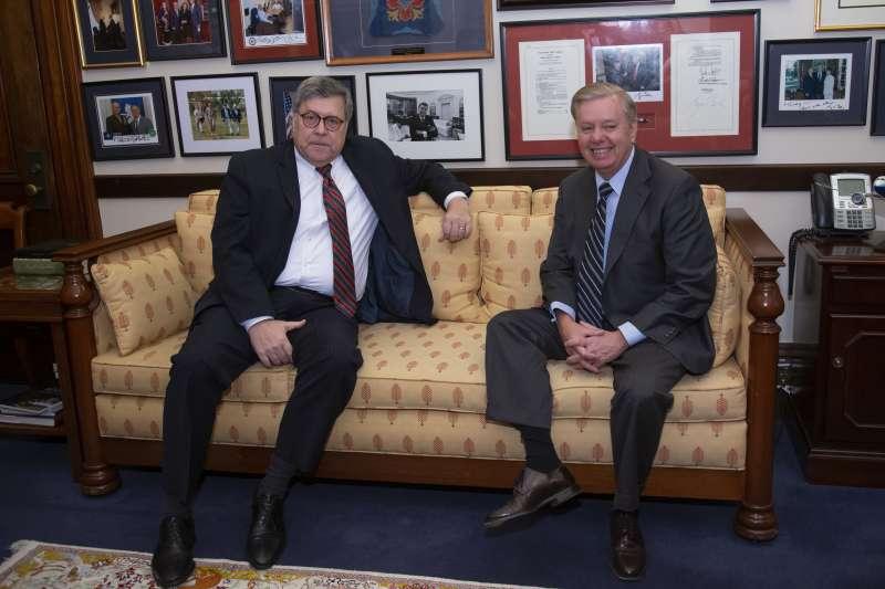 美國司法部長被提名人巴爾(左)拜會聯邦參議院司法委員會主席葛拉漢(AP)
