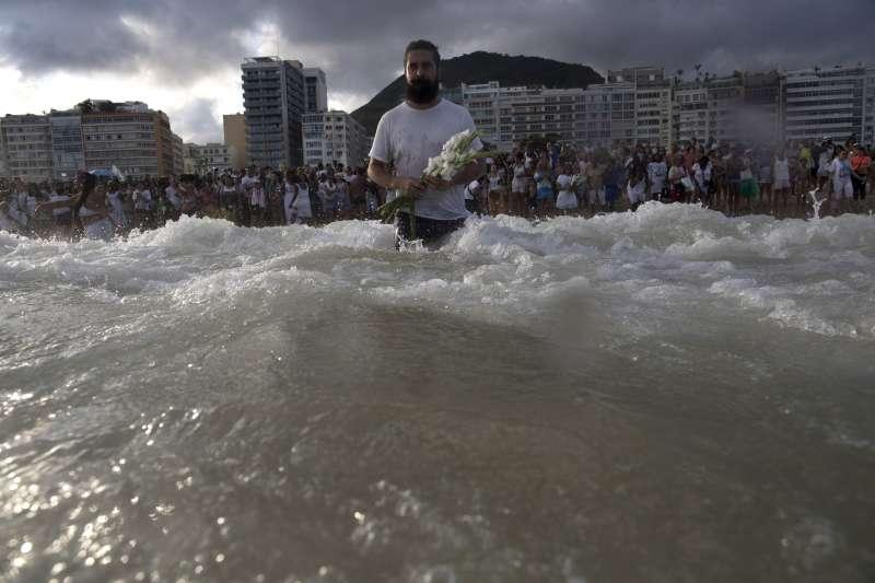 人類嚴重破壞、污染海洋環境與生態(示意圖.AP)