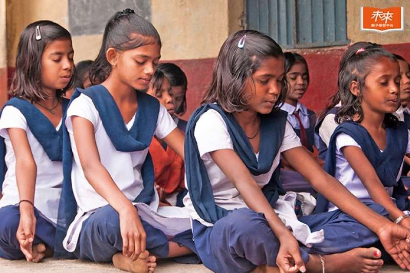 印度的學習風氣學歷至上,學生從幼兒園開始就有考試壓力。瘋狂拚升學的成果如何不得而知,不過每年大學聯考放榜後都出現中學生的自殺潮。(圖/未來FAMILY提供)