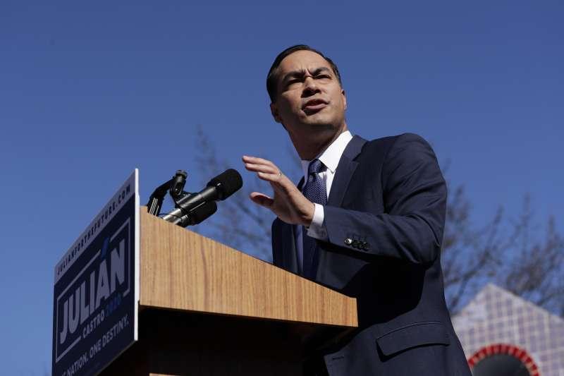 2019年1月13日,民主黨前德州聖安東尼奧市長、西語裔的朱利安‧卡斯楚宣布角逐2020年總統大選。(美聯社)