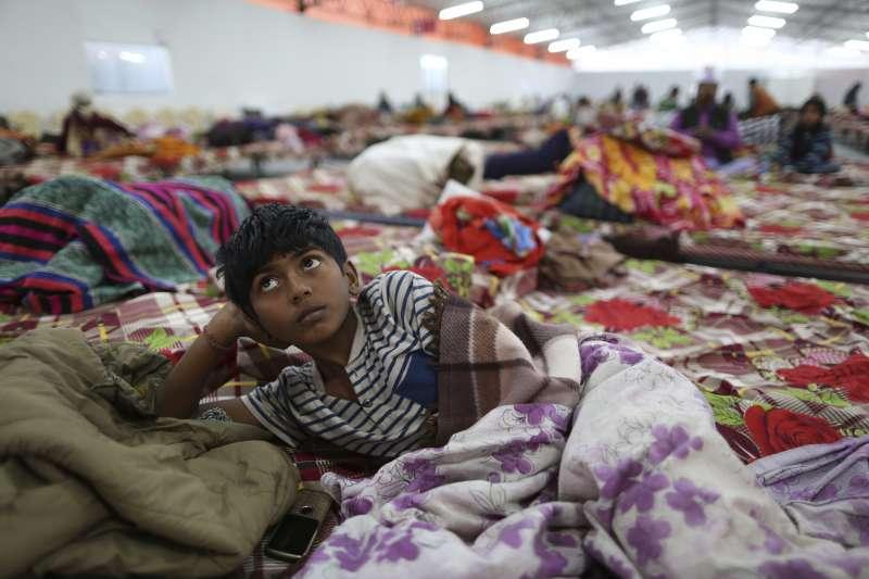 印度大壺節:參加活動者睡覺的地方(AP)