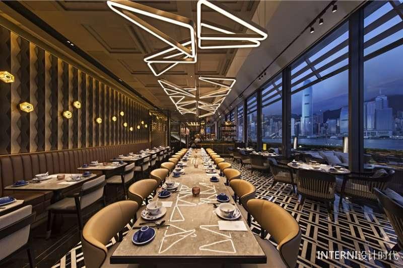 六公館從舊書房變身餐廳,結合東西方藝術打造出混合著老香港及現代風味的設計風格。(圖/瘋設計)