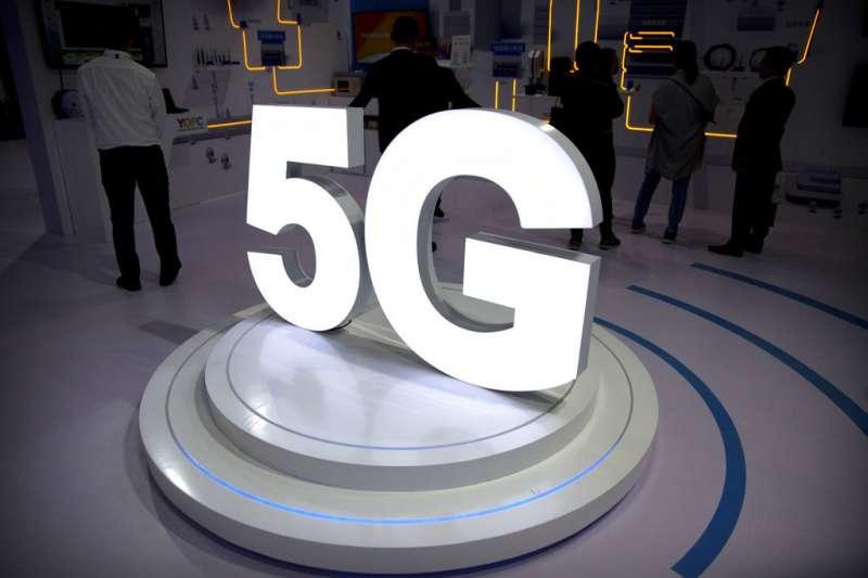 針對「5G行動計畫」,科技會報辦公室執行秘書蔡志宏13日表示,因應明年1月5G釋照,政府將在2019至2022年投入204億元。(資料照,美聯社)