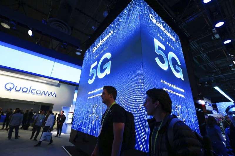 作者指出,英國和德國紛紛提出,華為技術不存在資安後門的疑慮,更直接打臉美國對華為5G的說法。(美聯社)