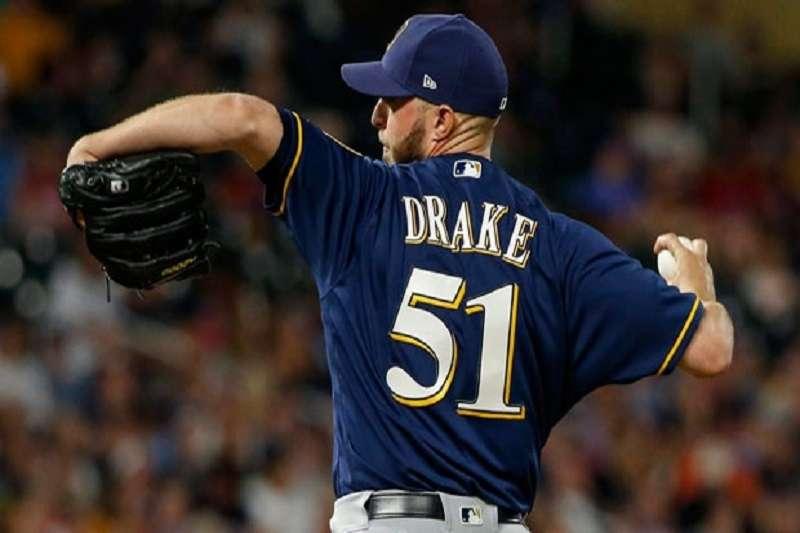 後援投手德瑞克自5月以來遭指定讓渡8次,是個名副其實的野球浪人。(美聯社)