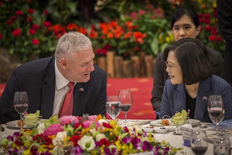 2018年10月9日,蔡英文總統國宴宴請聖露西亞總理查士納(總統府)