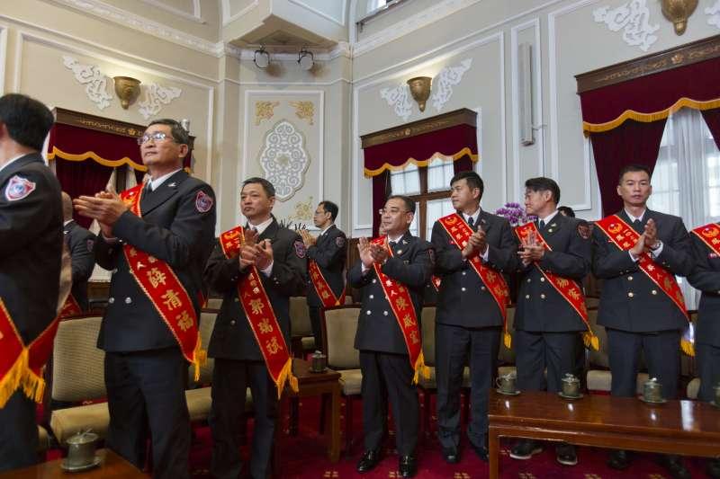 20190119- 總統蔡英文接見107年「鳳凰獎」楷模得獎人。(總統府提供)
