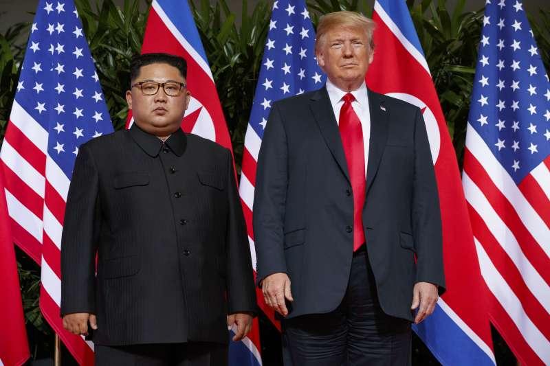2018年6月,美國總統川普與北韓領導人金正恩在新加坡會面。(AP)