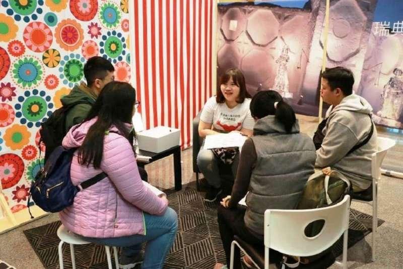 新北市政府就業服務處舉辦「大台北聯合招募會」提供171個職缺,經統計約225人次參加,初步媒合45人次,初估媒合率為30%。(圖/新北市勞工局提供)