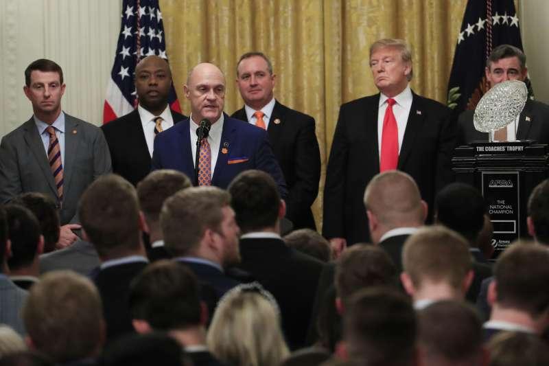 2019年1月14日,在白宮宴請美國NCAA美式足球冠軍克萊門森大學隊。(美聯社)
