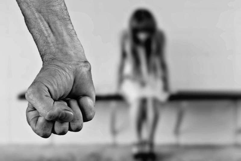 20190119-虐待、虐兒、家暴、兒少。示意圖。(取自Pixabay)