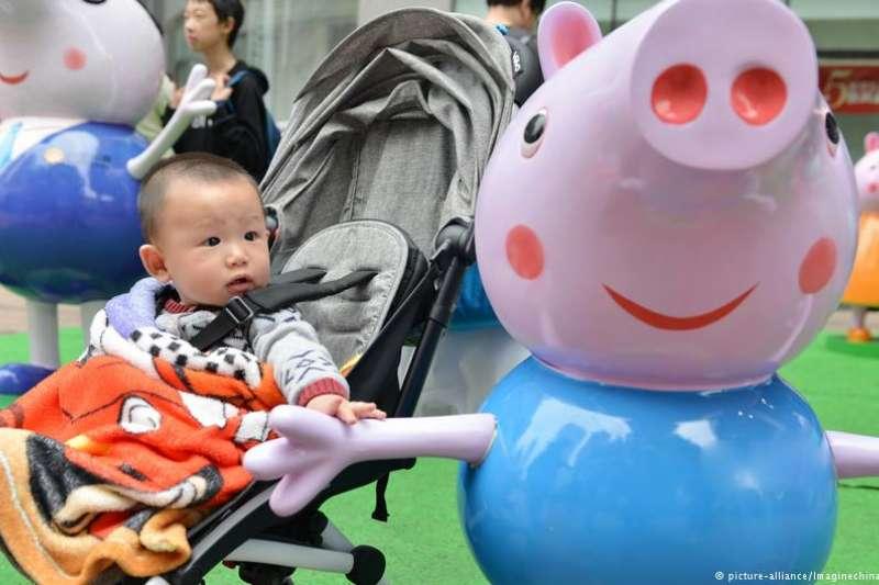 在中國稱為「小豬佩奇」的佩佩豬,Peppa Pig粉紅豬小妹(DW)