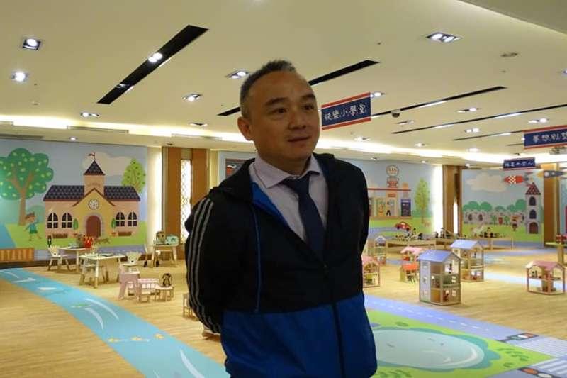 高雄市觀光局長潘恆旭。(翻攝「陸陸」臉書)