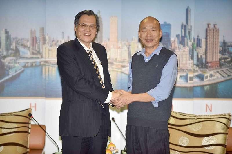 陸委會主委陳明通拜會高雄市長韓國瑜。(高雄市政府提供)