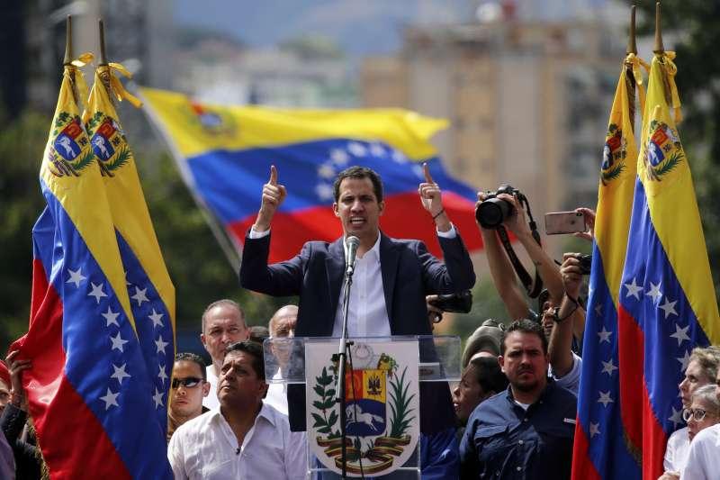 委內瑞拉反對派領袖瓜伊多被美國承認為委內瑞拉臨時總統(AP)