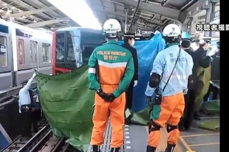 日本流感(インフルエンザ)疫情持續蔓延,東京一名女性乘客在電車月台跌落被輾死,警方懷疑她是因為感冒不適才會跌落月台。