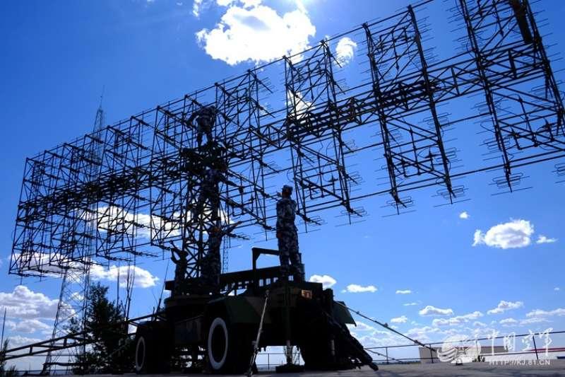 JY-27預警雷達。
