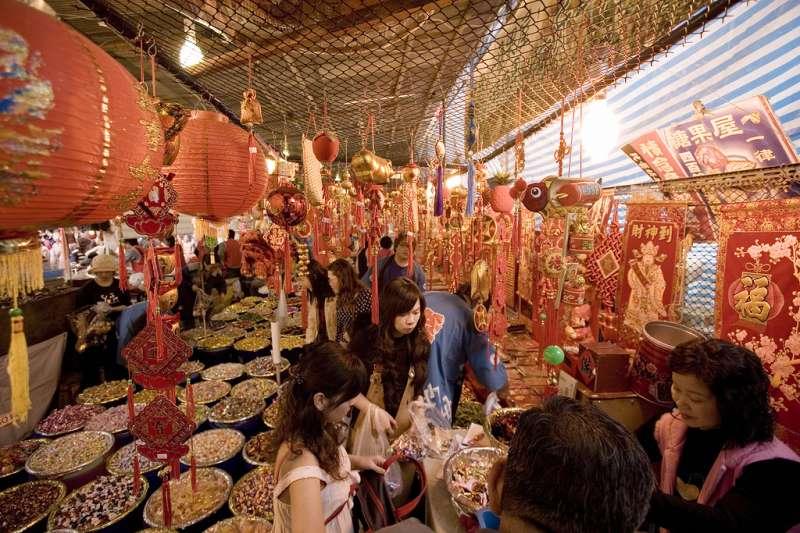 業者說,過年喜歡來台的陸客和平常遊客不太一樣,許多都是來台過年的「鐵粉」,年年都來。他們覺得去台灣一趟,就感覺把現在中國疏忽的禮節與傳統都找回來了。(圖/Michael Rehfeldt @flickr)