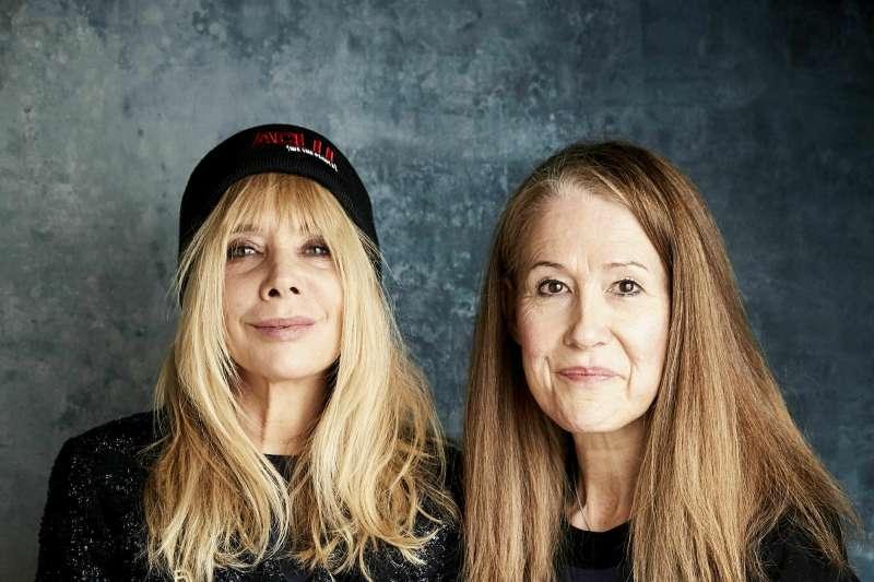 《不可侵犯》紀錄片導演麥克法蘭(Ursula Macfarlane)(右)及挺身控訴溫斯坦惡行的女星羅珊娜艾奎特(Rosanna Arquette)(左)。(美聯社)