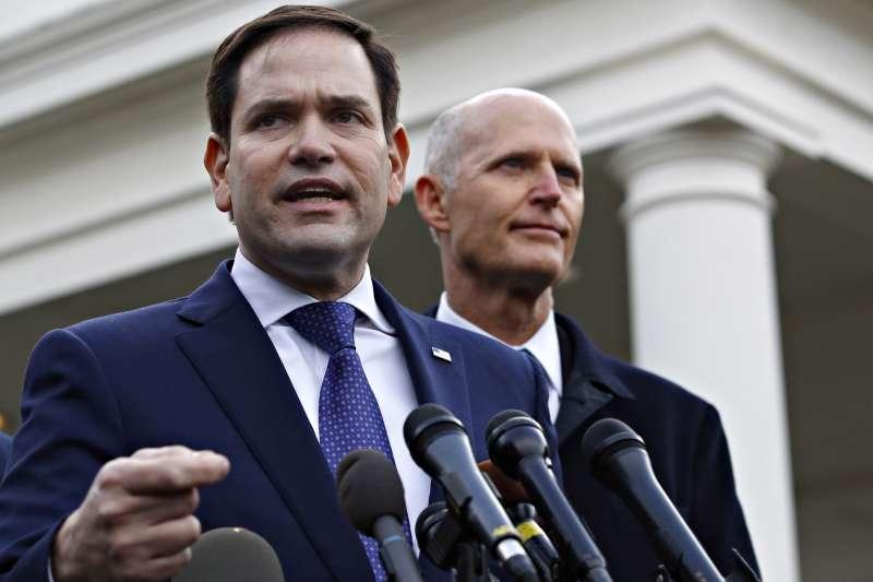 2019年1月22日,共和黨佛羅里達州聯邦參議員魯比歐在白宮與川普共商對委內瑞拉情勢之政策。(美聯社)