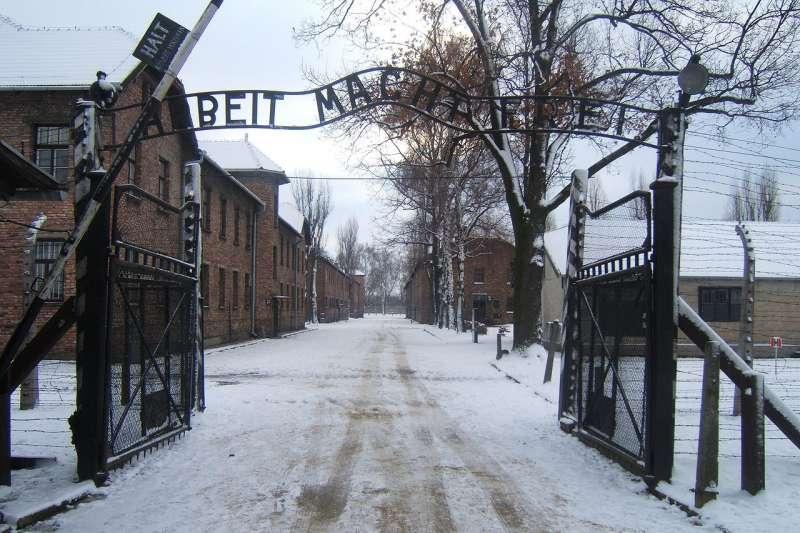 奧斯維辛集中營解放74週年,談起當年的加害者,高齡91歲的歐辛茲基依舊義憤填膺。(圖/維基百科)