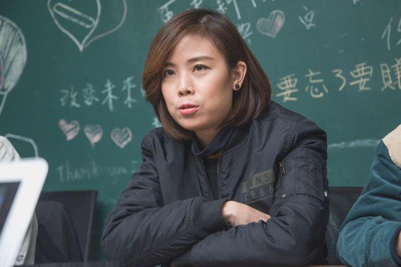 20190126-香港樂團「雞肉蒸蛋餅」專訪,鼓手Heihei。(甘岱民攝)