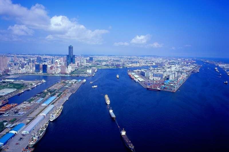 20190129-高雄港為台灣最大的國際港埠,也是世界第六大貨櫃港。交通部近年來積極整建基隆港與高雄港的郵輪設施,更將其也視為是「新南向計劃」的門戶。(取自交通部觀光局)