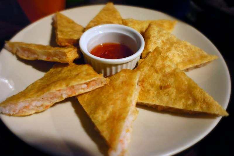 月亮虾饼并非泰国菜,而是台湾人所发明。(取自维基百科)