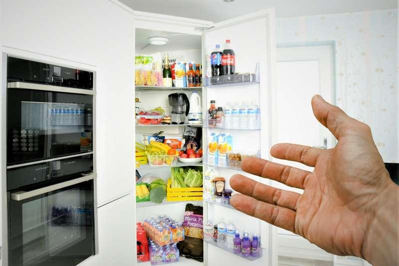 許多人都有「食物只要凍起來就不會壞」的迷思,事實上,食物冷凍只能抑制大部分的微生物生長,並無法消滅食物中的微生物。(圖/publicdomainpictures.net)