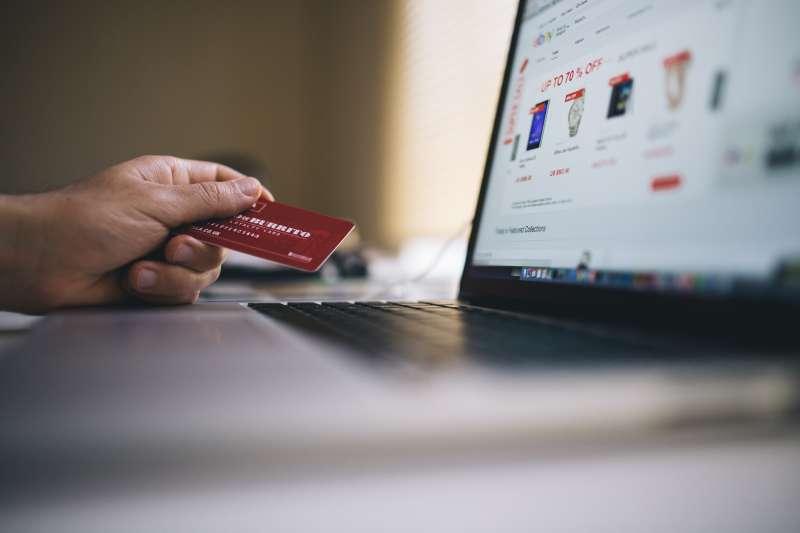 電商成為購物新選擇,相關行業也成為上班族欲跳槽的選項。示意圖。(資料照,取自pexels)