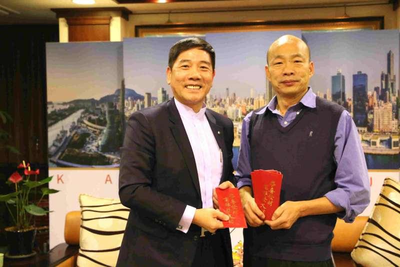 前香港馬會成員(左)30日拜會高雄市長韓國瑜(右)。(高雄市政府提供)
