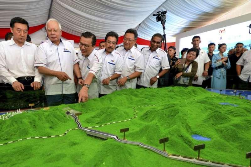中國在馬來西亞的鐵路工程擱淺 (美聯社)