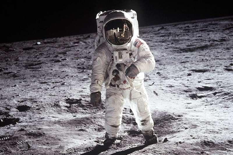 為何人類45年來再也沒有登陸月球?(圖/維基百科)