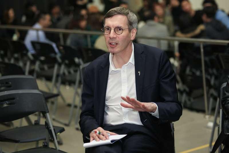 20190131-法國人權大使 François Croquette31日出席思辨之夜。(簡必丞攝)