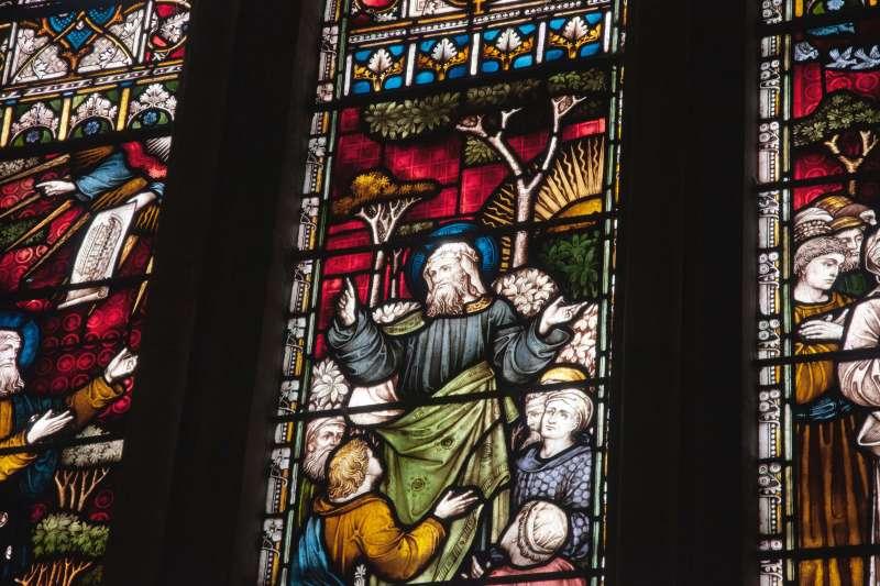 耶穌是孝子嗎?透過史料,看看明末至民初的傳教士與知識份子怎麼說,同一個故事由不同人傳述,竟然會有完全不同的詮釋。(圖/James Newcombe on Unsplash,研之有物)