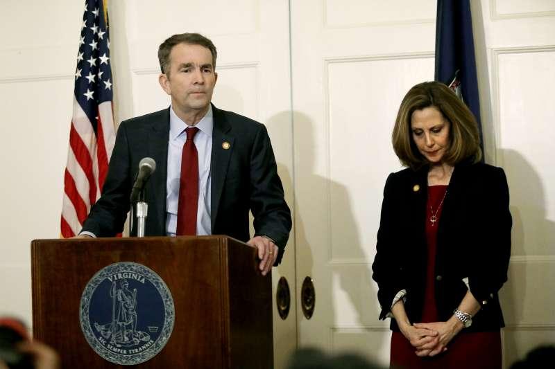 美國維吉尼亞州州長諾桑姆(Ralph Northam)引發種族歧視風暴,召開記者會說明並道歉(AP)