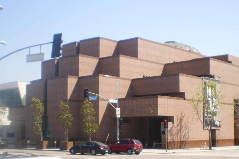 位在洛杉磯比佛利山(Beverly Hills)附近的寬容博物館(Museum of Tolerance)(Cbl62@Wikipedia / CC BY-SA 3.0)