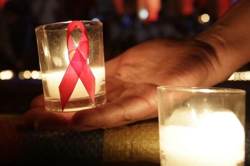 血液是愛滋病病毒主要傳播途徑之一(BBC中文網)