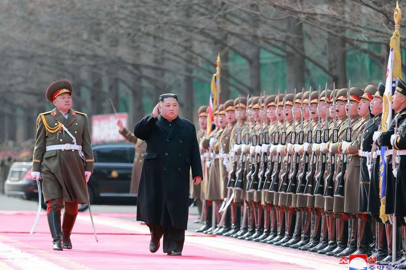 2019年2月8日,北韓朝鮮人民軍建軍節,金正恩檢閱部隊(AP)