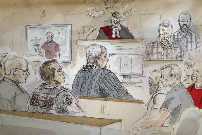 加拿大連續殺人魔麥亞瑟(Bruce McArthur,中)至少殺害8名男同志,這是法庭審判素描(AP)