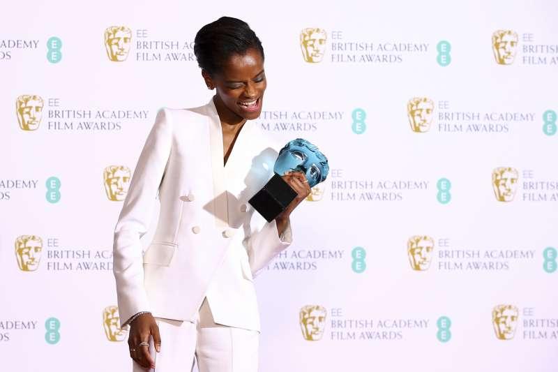 第72屆英國影藝學院獎(BAFTA):莉蒂西亞萊特(Letitia Wright)拿下明日之星獎(AP)