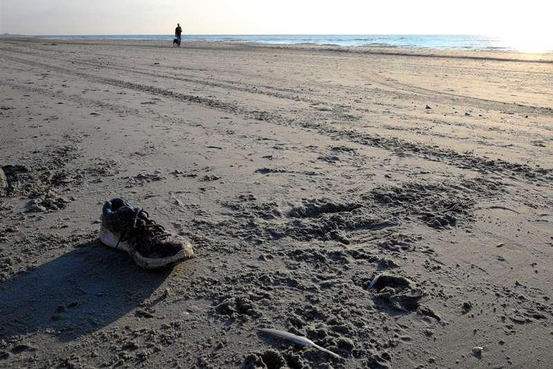 2019年的元旦,有海灘遊客在華盛頓州Jetty Island南端,發現了一隻連著皮靴的斷腳,而周圍並沒有撿獲其他遺骸。(圖/*CUP)