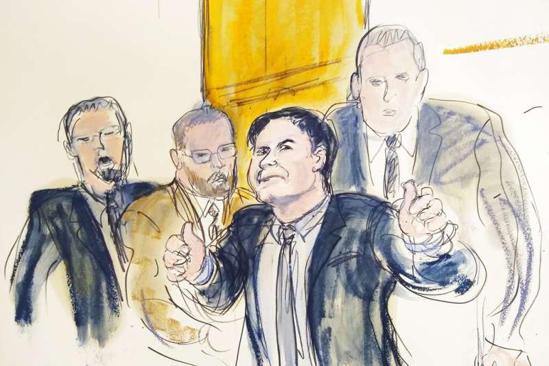2019年2月12日,墨西哥毒梟古茲曼聆聽陪審團判決。(AP)
