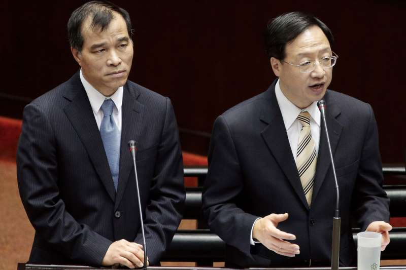 江宜樺(右)組閣時,將葉匡時(左)提拔為交通部長。(新新聞資料照)