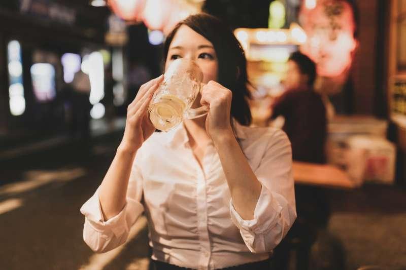 脾虛 腎虛 吃什麼藥 - 灌下2瓶啤酒,腦部就像整晚沒睡!醫生警告:每天這樣喝,只要半年大腦就GG