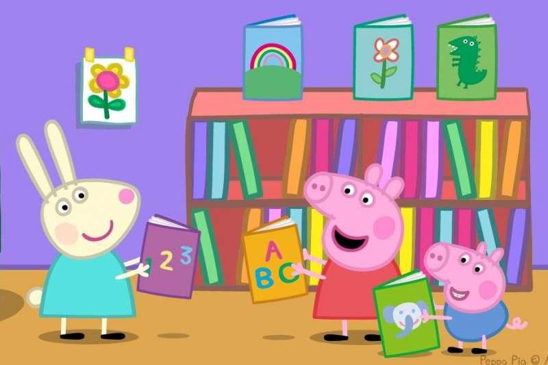 許多美國家長發現,孩子看了佩佩豬之後,竟然跟著模仿片中角色,也成了英國腔,紛紛上推特分享「佩佩豬效應」。(圖/Peppa Pig臉書粉專)