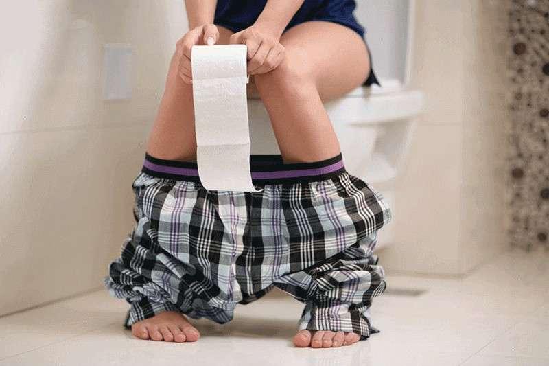 從每天排便自我檢查中,可以了解日常該注意而未注意的身體徵兆,以找出根本病因、遠離疾病風險!(圖/華人健康網提供)