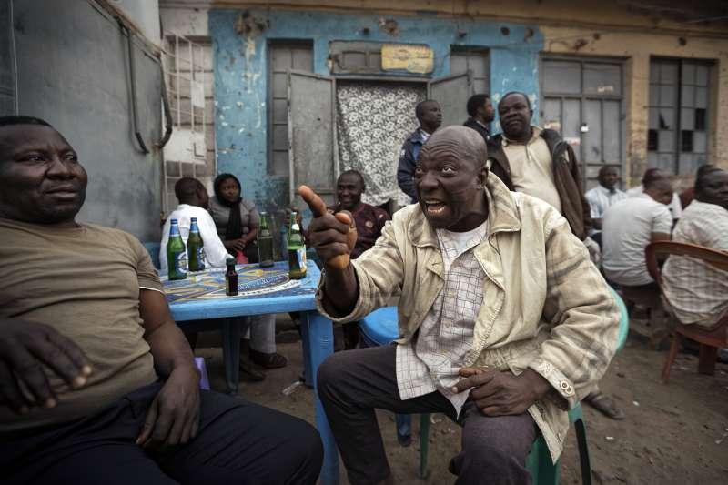 2019年2月奈及利亞總統選舉,原訂16日投票,但政府臨時宣布延期(AP)