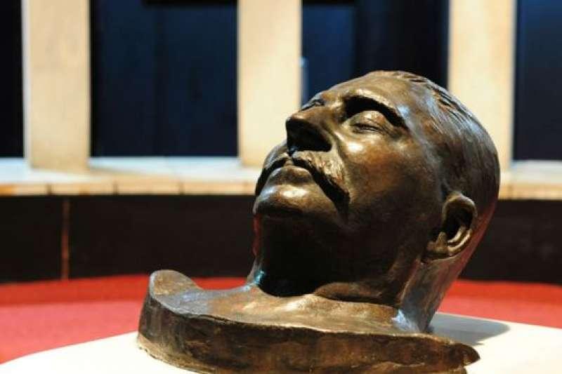 史達林的遺體早年已經被移送到莫斯科,但一所關於他的博物館仍然在喬治亞。(BBC中文網)