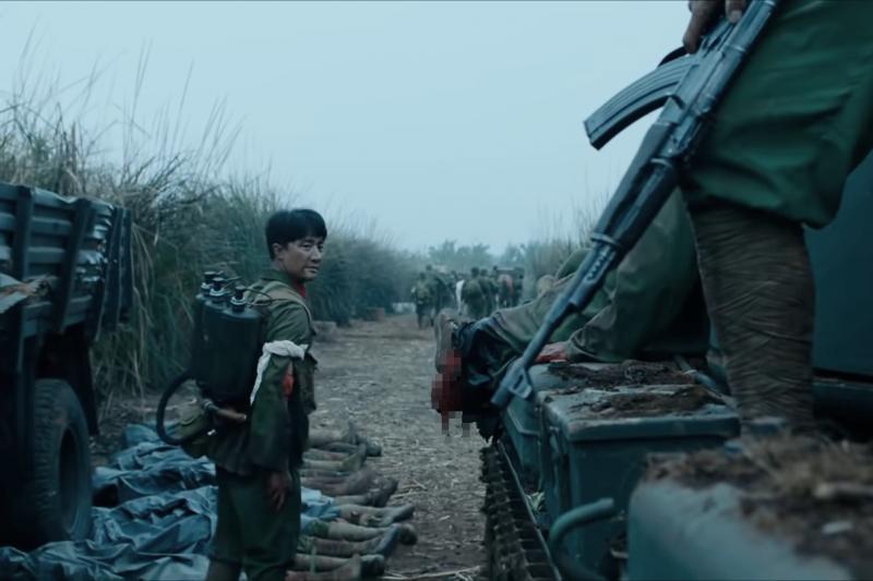 當年參與中越戰爭的老兵,跟電影「芳華」主角一樣,身分因著「政治」而逐流。(圖/取自youtube)